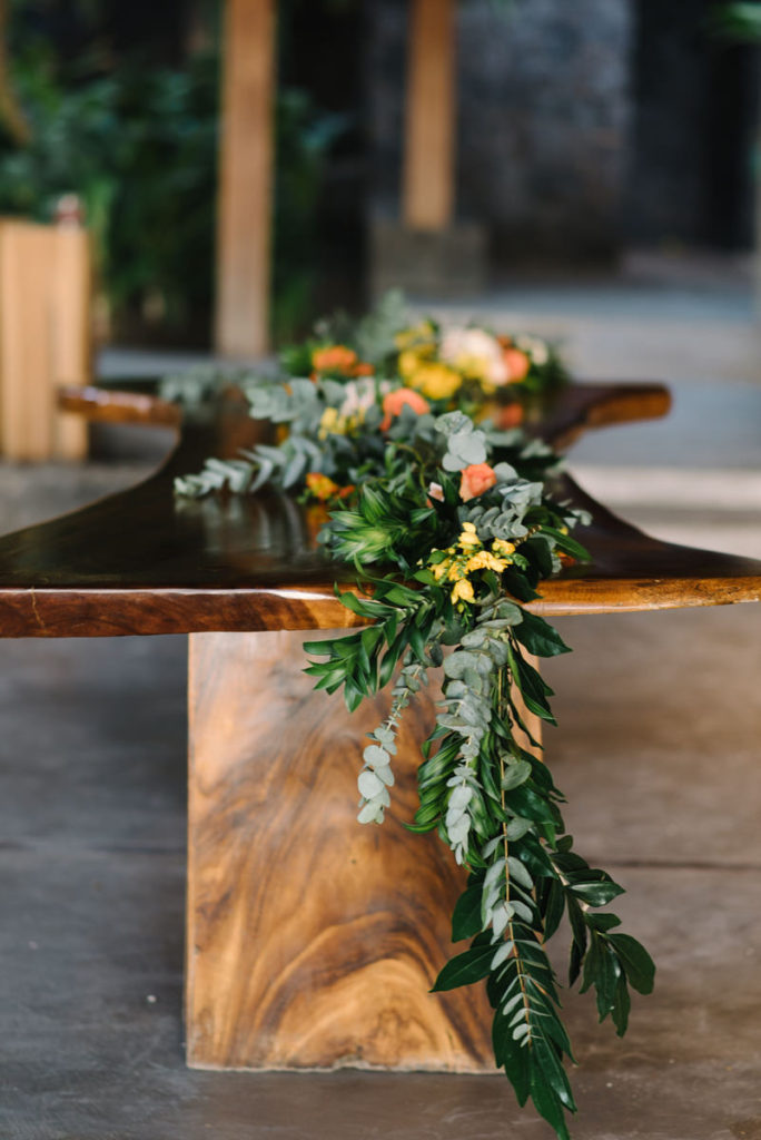 flower runner table wedding